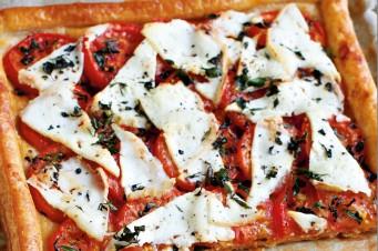 Quiche met tomaat, tijm en geitenkaas