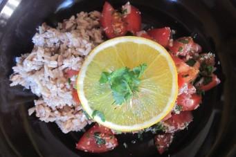 Notenrijst met tomatensalsa