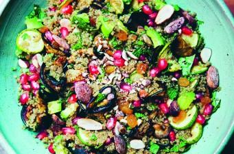 Salade met quinoa, amandel en munt