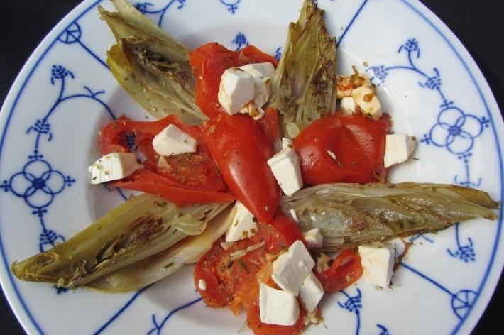 Gesmoorde witlof met tomaat en feta